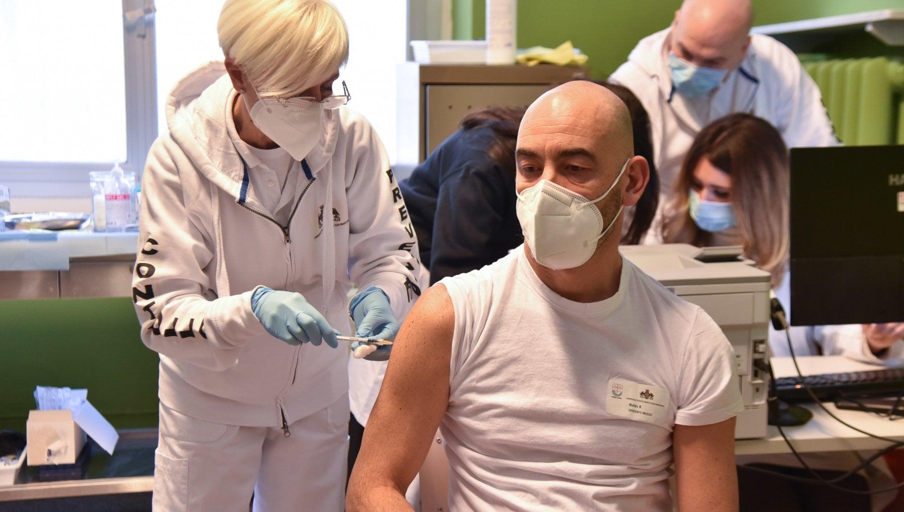 """192940784 d2ef51b9 e6c4 4af1 b492 ac0216939dc8 - Matteo Bassetti: """"A Genova ricoverati gravi per Covid due anziani no vax. Inaccettabile rifiutare il vaccino"""""""