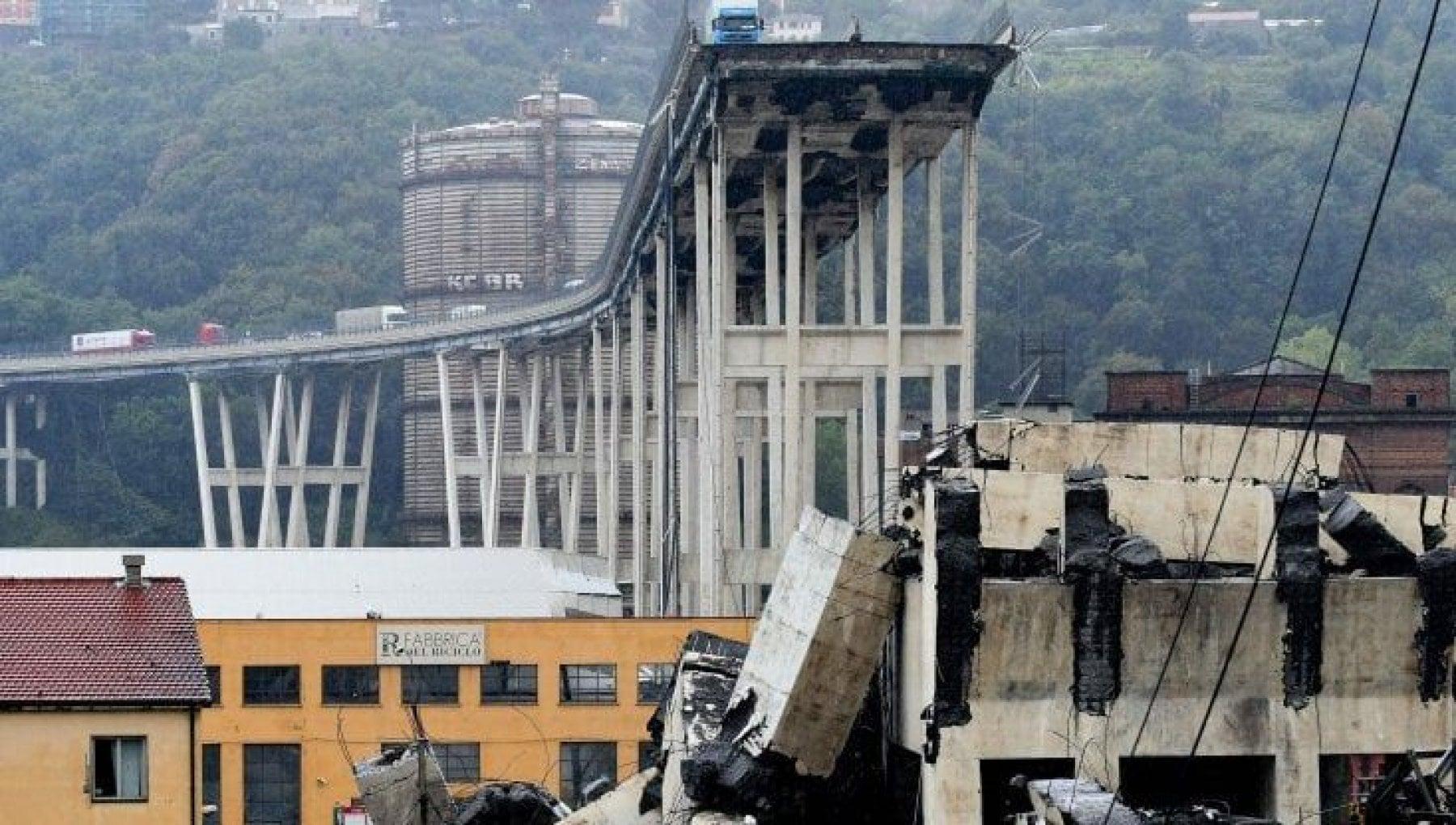 135840392 44715c48 efa8 44a2 8ed5 8ddc4515d7db - Ponte Morandi, un disegno di legge per estendere alle vittime dei disastri i benefici di quelle del terrorismo