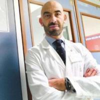 """Covid, Bassetti: """"Buone possibilità che chi non è vaccinato si possa infettare entro due..."""