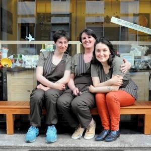 La svolta dolce di mamma Ida (e le due figlie): la second life è una pasticceria-caffetteria