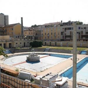 Parchi, piscine e chiese: tutti i nuovi spazi per le passerelle della moda maschile a Milano