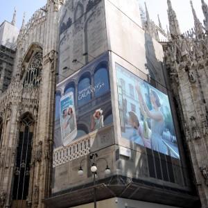 Milano prova a imitare Times Square: maxischermi a led per pubblicità e annunci Expo