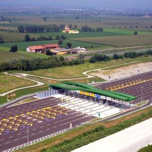 Apre la Brebemi, l'autostrada da 1,6 miliardi che non ha nemmeno un distributore