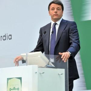 """Renzi inaugura dopo 18 anni l'autostrada Brebemi: """"Troppa burocrazia, qualcosa non torna"""""""