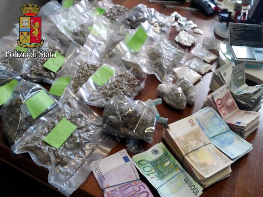 La droga si compra in pasticceria: 2 arresti a Milano