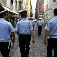 Milano, saranno multati e sospesi i vigili che saranno scoperti a fumare in ufficio