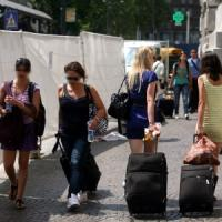 Hotel fai-da-te, boom a Milano: le case online crescono del 76%.Airbnb: