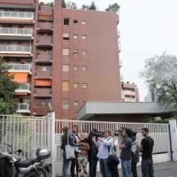 Omicidio-suicidio a Milano, muoiono in due precipitando dal 7° piano: lui vent'anni, lei...