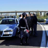 Bergamo, contromano sulla A4 si schianta: guidava nudo e senza scarpe, non è grave