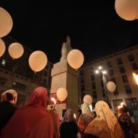 """Milano, l'Islam scende in piazza contro i terroristi dell'Is: """"Basta con la cultura dell'odio"""""""