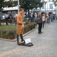 Bergamo, si veste da nazista contro le 'sentinelle in piedi'