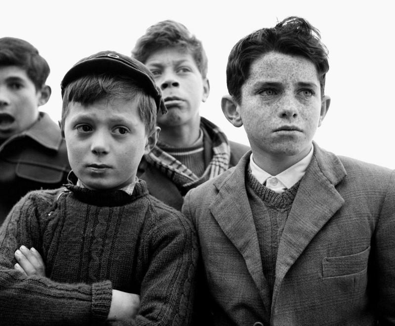 Milano l 39 album in bianco e nero dell 39 italia neorealista for Gradini del ponte curvi