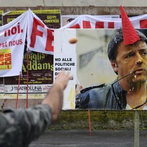 Summit Ue a Milano, protestano i lavoratori: Fiera blindata, scontri con la polizia