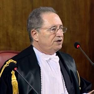 Ruby, si dimette il presidente della corte che assolse Berlusconi: voleva la condanna