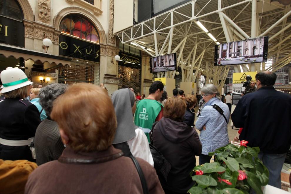 Milano, al maxischermo la beatificazione di Paolo VI