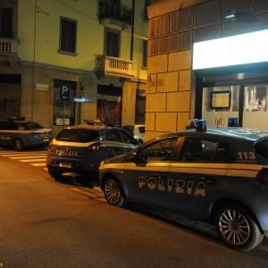 Ultime Notizie: Milano, strangola la compagna poi chiama l'amico al telefono: arrestato un 42enne