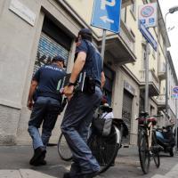 Milano, strangola la fidanzata con un laccio portapacchi