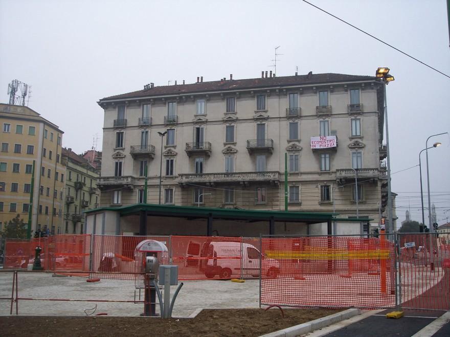 """Piazza XXIV Maggio, i residenti: """"Il kiosko è un ecomostro"""""""