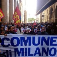 Milano, in piazza anche i dipendenti di Palazzo Marino