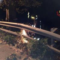 Rami caduti, tetti sfondati: danni per il vento a Varese