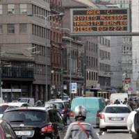 Sciopero, venerdì nero per chi viaggia con i mezzi a Milano: il Comune sospende Area C