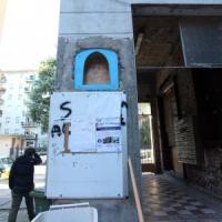 """Milano, il condominio Aler dove tutti sono abusivi. E i vicini insorgono: """"Qui è un..."""