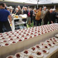 Da Sadler a Berton, otto chef cucinano per i clochard