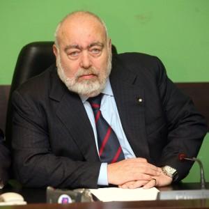 Tangenti sulla discarica di amianto, l'ex vicepresidente del Pirellone patteggia due anni
