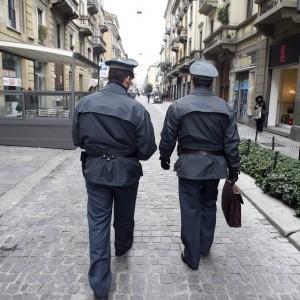 Ultime Notizie: Frode da 250 milioni, arrestati un ex calciatore di serie A e l'ex vicepresidente del Genoa