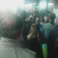 Milano, la ressa dei pendolari nel tunnel in Centrale
