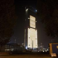 Milano, Isozaki accende il grattacielo più alto d'Italia