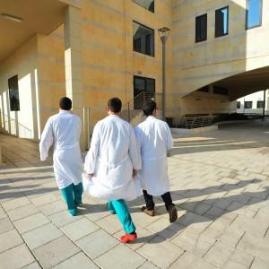 Ultime Notizie: Milano, feto di 24 settimane e madre clinicamente morta: la corsa per ritardare il parto