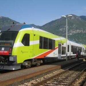 Milano, i treni di Ferrovienord comprati in Puglia al doppio del prezzo (e spesso in tilt)