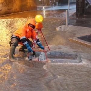 Maltempo, tutta la Lombardia è sott'acqua. Esonda il Seveso, un morto nel lago Maggiore