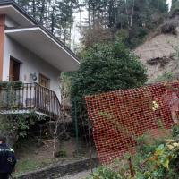 Varese, villa travolta da una frana: due vittime