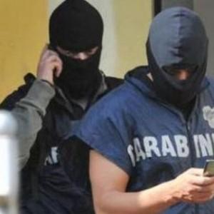 'Ndrangheta, 40 in manette: per la prima volta la Dda di Milano filma i rituali di affiliazione