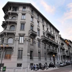 Milano, lo scandalo degli affitti per le case del Policlinico: anche 12 euro al mese per cinque vani