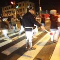 Milano, San Siro senza vigili per il derby: a dirigere il traffico ci sono carabinieri e poliziotti