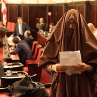 Palazzo Marino, il consigliere leghista con il burqa