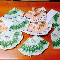 Malpensa, fermato con 16mila euro falsi in valigia