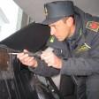 Contrabbandiere  di profumi   foto   bloccato a Livigno con 300 confezioni nel parafango