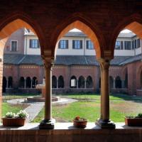 Milano, sesso nell'abbazia di Chiaravalle. La polizia indaga nelle celle: inchiesta...