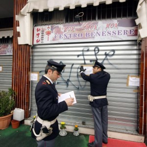 Milano, è boom di squillo brasiliane e cinesi che lavorano 'indoor': 100 siti e 25 giornali per l'adescamento