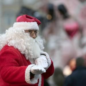 """Monza, bufera dopo l'omelia del parroco: """"Babbo Natale è un ciccione ubriacone"""""""