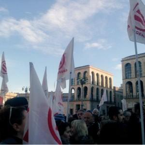 'Io sono Charlie', Milano abbraccia Parigi in Duomo. E Salvini attacca Renzi e Pisapia