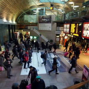 Trenord, dopo i tagli esplode la rabbia dei pendolari: ritardi eccessivi e convogli al gelo