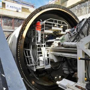 Milano, mafia nei cantieri del metrò M4 e M5: il prefetto blocca le aziende sospette
