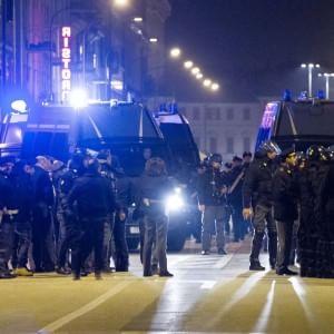 Cremona, scontri fra autonomi e Casa Pound: è in coma il 49enne preso a sprangate