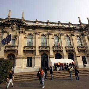 Milano, i prof non vogliono l'inglese obbligatorio al Politecnico: decide la Consulta