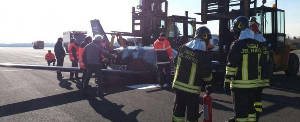 Aereo Privato Torino : Linate voli fermi per due ore aereo privato con il